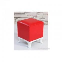 Puf pătrat roșu